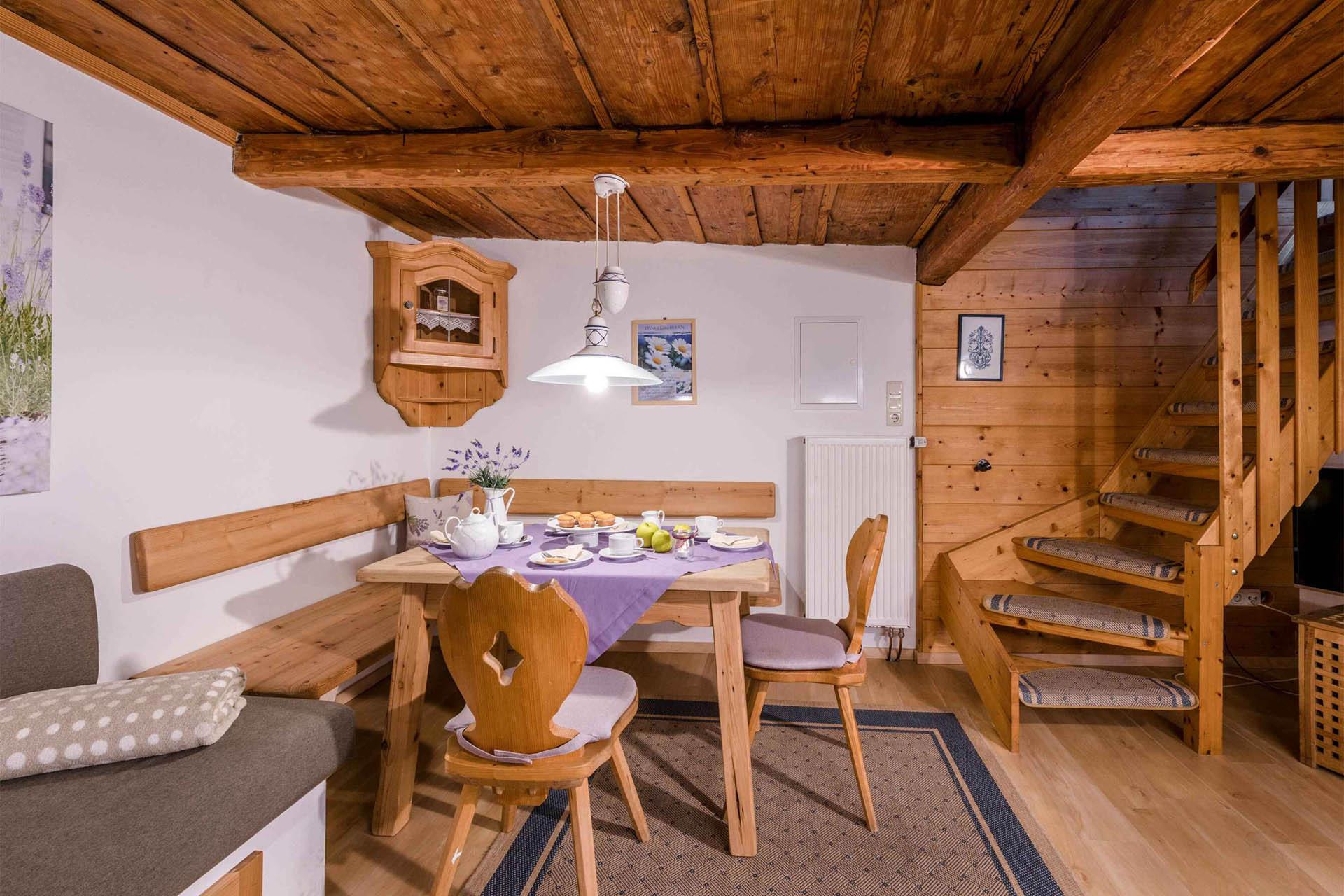 Ferienwohnung LAvendel, Essbereich, Huberhof Ollerding